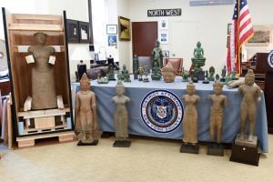 สหรัฐฯ ส่งคืนโบราณวัตถุ 27 ชิ้นให้กัมพูชา รวมมูลค่ากว่า $3.8 ล้าน