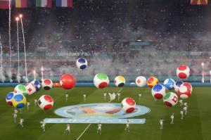 """รวมภาพพิธีเปิด """"ยูโร 2020"""" ศึกชิงแชมป์ยุโรปมาแล้ว!!"""