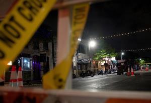 ดวลปืนเดือดกลางเมืองในรัฐเทกซัส ผู้คนถูกลูกหลงบาดเจ็บนับสิบ (ชมคลิป)