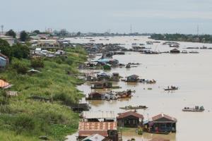 ชาวบ้านโอดไม่มีที่ไปหลังกัมพูชาสั่งรื้อชุมชนชาวแพริมแม่น้ำ จัดระเบียบรับซีเกมส์ 2023