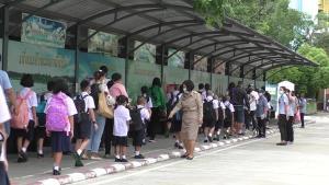 อนุบาลชัยนาทเปิดเรียนวันแรก แบ่งเด็กครึ่งห้องสลับวันเรียนลดความแออัด
