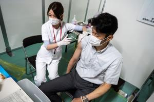 """ญี่ปุ่นพบอาการหัวใจอักเสบ หลังฉีดวัคซีน """"ไฟเซอร์"""""""