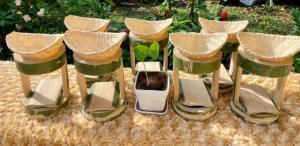 (ชมคลิป) ครูสาวไอเดียดี ส่งเสริมตาวัย 70 ทำชุดดริปกาแฟจักสานไม้ไผ่ขาย สร้างรายได้ชุดละ 145 บาท