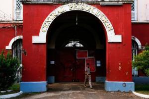 พม่าปล่อยตัวนักข่าวสหรัฐฯ ออกจากเรือนจำอินเส่ง หลังตำรวจถอนข้อหา