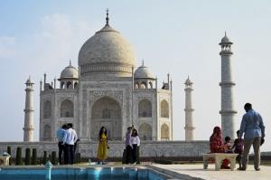 อินเดียเปิด 'ทัชมาฮาล' รับนักท่องเที่ยว หลังสถานการณ์โควิด-19 เริ่มคลี่คลาย