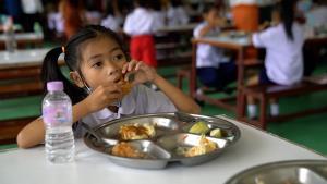 ได้กินแล้ว! ไก่ทอด KFC เมนูในดวงใจ เด็กนักเรียนโรงเรียนเทศบาลโนนชัย