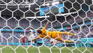 """""""มิรานชุก"""" ซัดงามหยด """"รัสเซีย"""" เฉือนหวิว """"ฟินแลนด์"""" 1-0 ลุ้นเข้ารอบเกมสุดท้าย"""