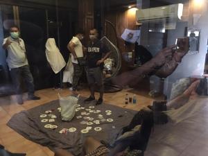 รวบ 16 นักพนันพกเงินแสนเปิดพลูวิลล่าย่านบางละมุง ตั้งวงจั่วป๊อกเด้งฝืน พ.ร.ก.ฉุกเฉิน