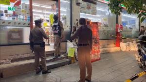 คนร้ายก่อเหตุยิงพนักงานร้านสะดวกซื้อดับ เผยเป็นคนเดียวกับมือกราดยิง รพ.สนามปทุมฯ