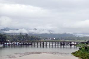 ปักหมุด 10 จุด ที่เที่ยวสะพานไม้ถ่ายรูปสวยในไทย