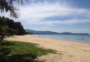 หาดลายัน หาดสวยน้ำใส (ภาพจากสำนักอุทยานแห่งชาติ)