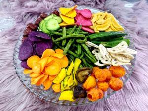 """ฮิตติด TikTok """"ผักผลไม้ทอดสุญญากาศ"""" แบรนด์ """"วารณ"""" เสิร์ฟเซ็ตผักตามใจคุณสร้างยอดขายสุดปัง!"""