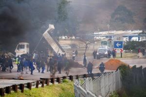 ปล้นสะดม-ปิดถนนประท้วงเดือดในแอฟริกาใต้ คัดค้านอดีตประธานาธิบดีถูกตัดสินจำคุก