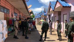 สาวไทยหนีโควิดท่าขี้เหล็กแห่ขอข้ามแดนกลับ ทหาร-ปกครองตรวจเข้มหอพัก/บ้านเช่าชายแดนแม่สาย