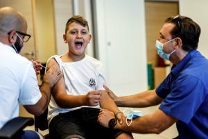 อิสราเอลปรับยุทธศาสตร์รับมือ'เน้นเรียนรู้อยู่กับไวรัส' ลดมาตรการจำกัดเข้มงวด แต่เร่งฉีดวัคซีน-รณรงค์สวมหน้ากาก  เดินตรงกลางระหว่างอังกฤษ-ออสซี่