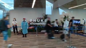 ภูเก็ตโต้กระแสโซเชียลฯ ยันไม่มีนักท่องเที่ยวกลับประเทศเพราะไม่พอใจมาตรการแซนด์บ็อกซ์