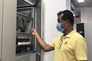 เหิมหนัก 2 คนร้ายลักตัดสายไฟห้องควบคุมไฟฟ้าในอุโมงค์ทางลอดโลตัส-สามกอง