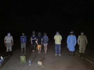 คนไทยหนีโควิดท่าขี้เหล็กขอกลับไม่ได้ จ้างพม่าพานั่งห่วงยางข้ามน้ำหัวละ 17,000 บาท