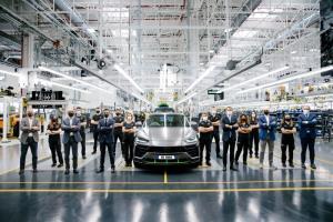 ลัมโบร์กินี อูรุส เผยยอดผลิตทะลุ 15,000 คัน ขึ้นแท่นรถขายดีสุดของค่าย