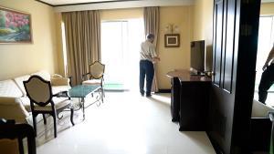 """ผู้ป่วยโควิดขอนแก่นล้นระบบรักษาโรงพยาบาล เปิด """"โรงแรมโฆษะ"""" เป็น HOSPITEL"""