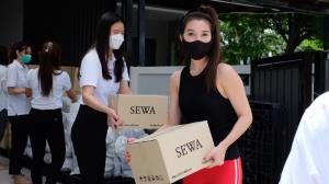 """""""วุ้นเส้น"""" ส่งต่อ """"กล่องปันน้ำใจ"""" สร้างรอยยิ้มให้คนไทยฝ่าวิกฤติโควิด-19"""