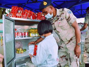 """สตูลเปิด """"ตู้ปันสุข จวนผู้ว่าฯ สตูล"""" ช่วยเหลือประชาชน ตั้งเป้าวันละ 200 ครอบครัว"""