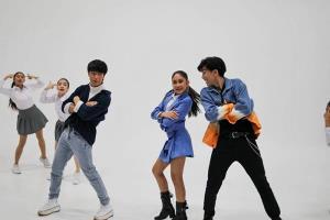 """""""แพงขวัญ"""" ฝ่าโควิด ควง 2 หนุ่ม """"เค - ปาล์ม"""" ปล่อย MV เพลงใหม่"""