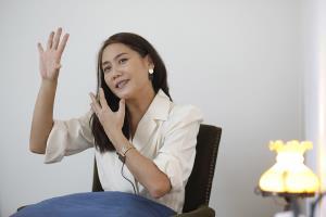 คนแรกของเมืองไทย! 'ดุจดาว วัฒนปกรณ์' นักเคลื่อนไหวร่างกายเพื่อการเยียวยาจิตใจ
