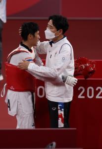 """""""จูเนียร์"""" แพ้เลี่ยนรอบ 8 คน แต่ยังมีลุ้นซิวทองแดงโอลิมปิก"""