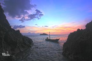 เกาะแตใน อันซีนจุดชมพระอาทิตย์ตกกลางทะเลแห่งเกาะพะงัน