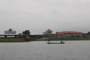 ฝนทิ้งช่วงกว่าสัปดาห์! เขื่อนลำปาวกาฬสินธุ์เพิ่มระบายน้ำ มุ่งช่วยนาข้าว-เกษตรกรเลี้ยงกุ้ง