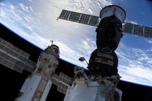 ระทึก! 'โมดูลรัสเซีย' ทำสถานีอวกาศนานาชาติหลุดเส้นทางโคจรชั่วขณะ