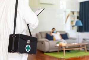 """""""หมอแอร์"""" เผยปัญหา """"Home Isolation"""" แนะ เปิดศูนย์รับยาให้ผู้ป่วยได้รับยาและกินที่บ้าน"""
