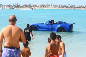 เจ็ตสกีรถยนต์ ผลงานหนุ่มอียิปต์ (ภาพ : ซินหัว)