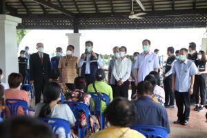 ดร.สาธิต ลงพื้นที่เร่งฉีดวัคซีนกลุ่ม 608 ใน 3 จังหวัดภาคตะวันออก ให้ได้ 50%