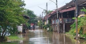 สถานการณ์น้ำท่วมตลาดเก่ากบินทร์บุรียังไม่กลับสู่ภาวะปกติ ผวจ.สั่งเตรียมรับมือน้ำใหม่