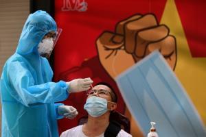 โควิดเวียดนามยังไม่แผ่ว พบผู้ป่วยติดเชื้อรายใหม่พุ่งกว่า 14,000 คน