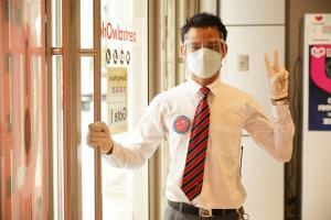 """เซ็นทรัล ชูมาตรการ """"สะอาด มั่นใจ"""" พนักงานฉีดวัคซีนแล้ว รับเปิดห้างอีกครั้ง"""
