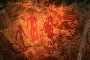 ภาพเขียนสีโบราณภายในถ้ำลายแทง (ภาพจาก อช.ภูผาม่าน)