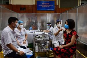 เวียดนามขีดเส้นตาย 15 ก.ย. ผู้ใหญ่ทุกคนในฮานอย-โฮจิมินห์ต้องได้ฉีดวัคซีนป้องกันโควิด