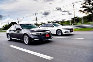 Honda Accord 1.5 Turbo VS eHEV ลองขับเทียบ เพิ่มออปชัน คันไหนน่าคบ