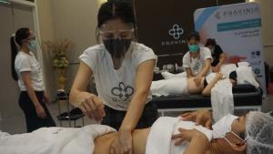 พราวิเนีย เปิดสอนหลักสูตร นวดสลายไขมัน ในโครงการสร้างอาชีพให้หญิงไทย ช่วงโควิด19