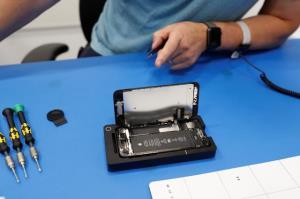 เยอรมนีเล็งบีบผู้ผลิตต้องซ่อมสมาร์ทโฟนอย่างน้อย 7 ปี