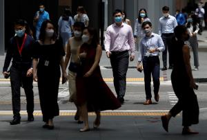 ยุทธศาสตร์อยู่ร่วมไวรัสของสิงคโปร์ส่อพังครืน ติดเชื้อใหม่สูงสุดในรอบปีแม้ฉีดวัคซีนครบแล้ว 80%