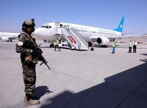 ตอลิบานไฟเขียว 'มะกัน-ต่างชาติ' อีก 200 ชีวิตเดินทางออกจากอัฟกานิสถาน