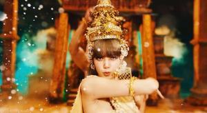 ลิซ่านำศิลปะไทยอวดสู่สายตาชาวโลก