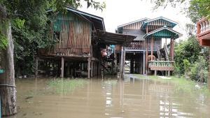 ชาวบ้านเมือกรุงเก่าระทม กระทบหนักทั้งโควิด-19 น้ำท่วม