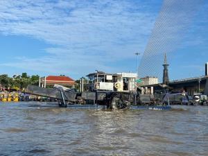 กรมเจ้าท่า กทม. และจิตอาสา ระดมกำลังกำจัดผักตบชวาแม่น้ำเจ้าพระยา ตั้งแต่สะพานพระราม 7-นนทบุรี