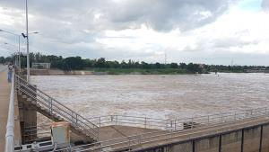 เตือนประชาชนท้ายเขื่อนเจ้าพระยา น้ำจะขึ้นสูงอีกหลังปรับระบายน้ำจากเขื่อนเจ้าพระยาเป็น 1,500 ลบ./วินาที