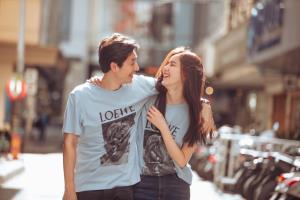 """เปิดทฤษฎีความรัก """"บอย & เจี๊ยบ"""" รักเราไม่เก่าเลย เกือบ 20 ปี ความหวานยังคงที่"""